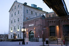 Vroege Ochtend in het Distilleerderijdistrict - Toronto,  Stock Afbeeldingen