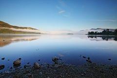 Vroege ochtendwolk over Derwent-Water Stock Foto