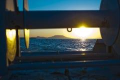 Vroege ochtendzonsopgang over het meer Royalty-vrije Stock Foto's