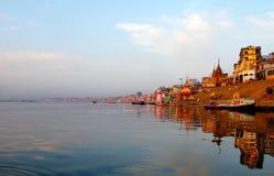 Vroeger de ochtend-Rivier Ganges stock afbeelding