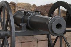 Vroeger gegoten kanon Stock Afbeeldingen