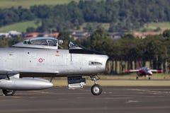 Vroeger Koninklijk Australisch de Vliegtuigenbedrijf CA-27 van de Luchtmachtraaf Commonwealth het Noordamerikaanse F-86 Sabel str Stock Foto's