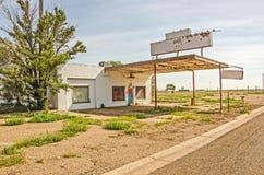 Vroeger Route 66 -Benzinestation stock fotografie