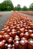 vroegere appelplaats 102 000 geplaatste stenen het symboliseren van 102 000 nooit teruggekeerde gevangenen Royalty-vrije Stock Foto