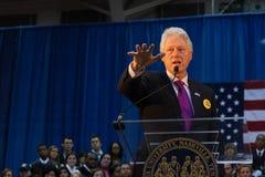 Vroegere President Bill Clinton spreekt Stock Afbeelding
