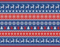Vrolijk Kerstmis en Nieuwjaar naadloos gebreid patroon met Kerstmisballen, sneeuwvlokken en spar Skandinavische stijl Royalty-vrije Stock Foto
