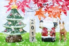 Vrolijk Kerstmisachtergrond en nummer 2017 t Stock Fotografie