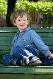 Vrolijk knipperend kind stock fotografie
