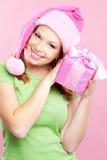 Vrolijk meisje met gift Stock Afbeelding