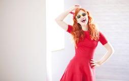 Vrolijk redhead meisje Stock Afbeelding