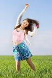 Vrolijke aardige jonge vrouw Stock Foto's