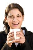 Vrolijke bedrijfsvrouw met koffie Stock Foto's