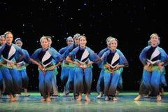 Vrolijke dansende meisjes Royalty-vrije Stock Afbeeldingen