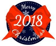 Vrolijke Kerstmis 2018 affiche met rode die lintboog op witte achtergrond wordt geïsoleerd Stock Afbeeldingen