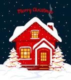Vrolijke Kerstmis en Gelukkig de kaartmalplaatje van de Nieuwjaar seizoengebonden winter met rood Kerstmishuis in sneeuw Royalty-vrije Stock Fotografie
