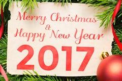 Vrolijke Kerstmis en Gelukkig Nieuwjaar 2017 De decoratie van Kerstmis Royalty-vrije Stock Afbeeldingen
