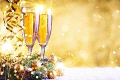 Vrolijke Kerstmis en Gelukkig Nieuwjaar Een Nieuwjaar` s achtergrond met Nieuwjaardecoratie Nieuwe jaar` s kaart royalty-vrije stock foto