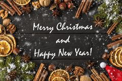 Vrolijke Kerstmis en Gelukkige de groetkaart van het Nieuwjaar royalty-vrije stock foto's