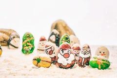 Vrolijke Kerstmis en Gelukkige Nieuwjaar mooie achtergrond op witte achtergrond Royalty-vrije Stock Foto's