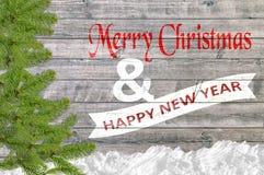 Vrolijke Kerstmis en Gelukkige Nieuwjaarachtergrond met de boom van de sneeuwpijnboom Stock Afbeelding