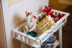 Vrolijke Kerstmis en het Nieuwjaar 2017 stellen, speelgoed, decoratie voor Concepy van vakantie Stock Fotografie