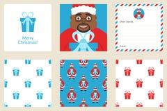 Vrolijke Kerstmis en nieuw jaar Vastgestelde groetkaart Omvat vakantie naadloze patronen Leuke Afrikaanse Amerikaanse Kerstman me Stock Fotografie