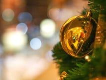 Vrolijke Kerstmis & Gelukkig Nieuwjaar Stock Foto's