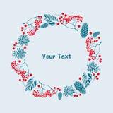 Vrolijke Kerstmis Kader met pijnboom en sparappel, lijsterbessenbessen en bladeren Malplaatje voor uw ontwerp Stock Foto's
