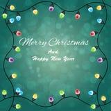 Vrolijke Kerstmis met Kleurrijke het Gloeien Kerstmislichten Royalty-vrije Stock Afbeeldingen