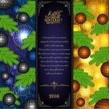 Vrolijke Kerstmis trifold met Kerstmisballen en sparrenelementen op blauw en geel Stock Foto's