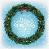 Vrolijke Kerstmis Typografisch op sneeuwachtergrond met Kerstmiskroon van boom vertakt zich, bessen, lichten, sneeuwvlokken stock illustratie