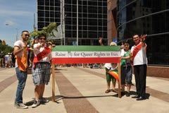 Vrolijke Lesbische Iraniërs bij Trots in Toronto Stock Foto