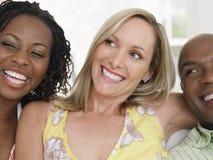 Vrolijke Multi-etnische Vrienden royalty-vrije stock afbeelding