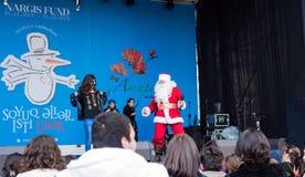 Vrolijke Santa Claus op een scène Stock Afbeelding