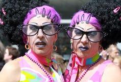 Vrolijke tweelingen royalty-vrije stock afbeeldingen