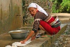 Vrouw aan het werk in Birma Stock Foto's