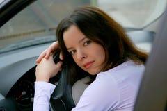 Vrouw in auto Royalty-vrije Stock Foto's