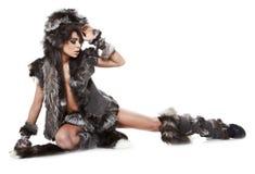 Vrouw in barbaars kostuum Royalty-vrije Stock Afbeelding
