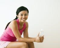 Vrouw bij gymnastiek stock fotografie
