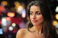 Vrouw bij nacht royalty-vrije stock afbeeldingen