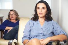 Vrouw bij psychotherapie stock foto's