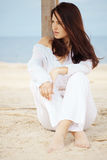 Vrouw bij strand Royalty-vrije Stock Afbeelding