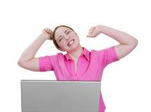 Vrouw bij zeer opgewekt laptop stock afbeelding
