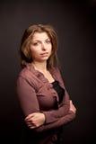 Vrouw in bruin Stock Fotografie