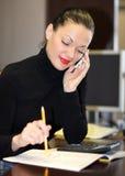 Vrouw in bureau Royalty-vrije Stock Foto