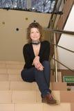 Vrouw in de bureaubouw royalty-vrije stock foto
