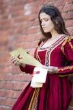 Vrouw in de kleding van de Renaissance royalty-vrije stock fotografie