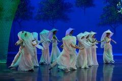 Vrouw de wever-eerste handeling: de van de het drama` Zijde van de moerbeiboom tuin-epische dans Prinses ` stock afbeeldingen