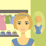 Vrouw in de winkel Stock Fotografie