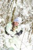 Vrouw in de winter stock foto